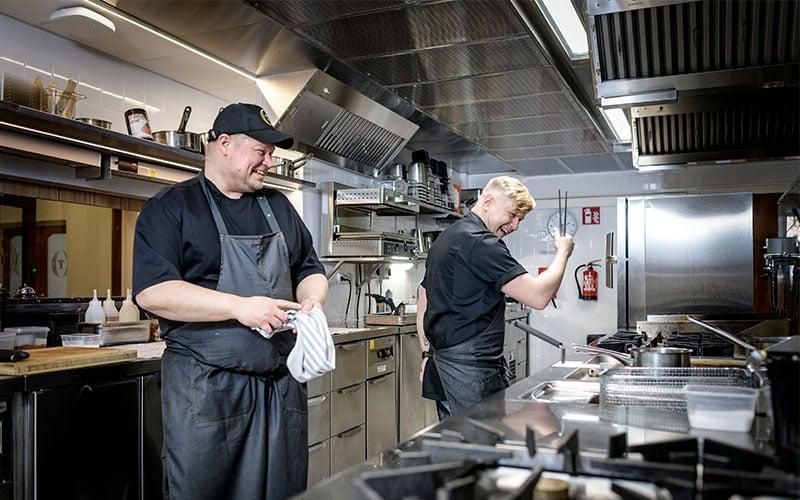 Keittiössä Ravintola Töölö 800x500